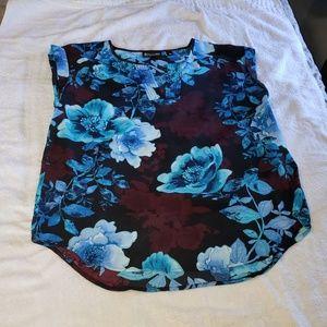 New York & Co. 7th Ave floral V-neck blouse